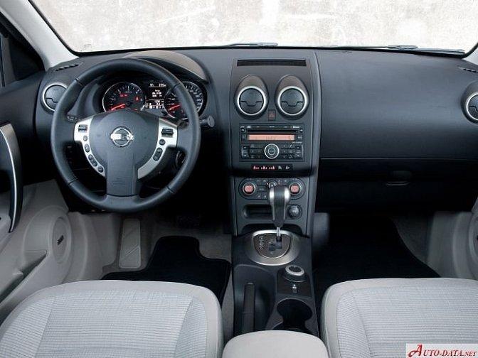 Nissan - Qashqai+2 (2010 facelift)